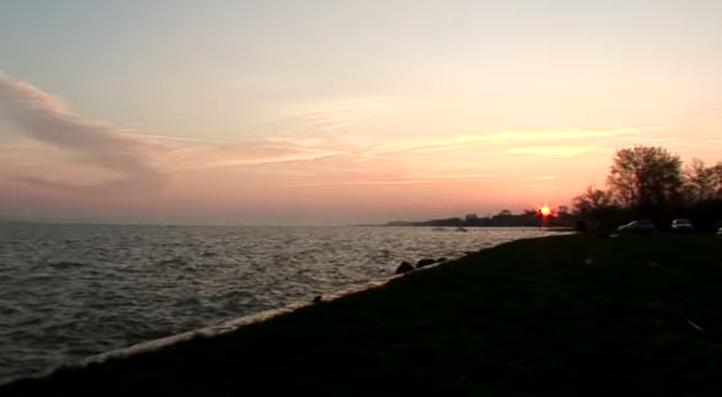 Napfelkelte a Balaton partján